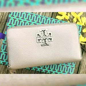 💟Authentic TORY BURCH LEATHER  WALLET